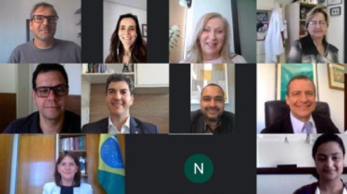 Imagem De Uma Captura De Tela Dos Participantes Da Reunião Do Conselho Estratégico
