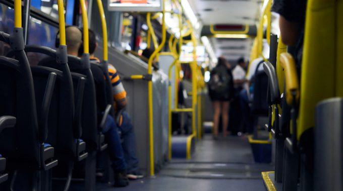 Imagem No Interior De Um ônibus Público